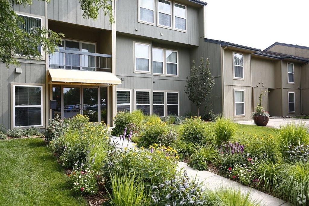 6255 Habitat Dr, Boulder, CO 80301