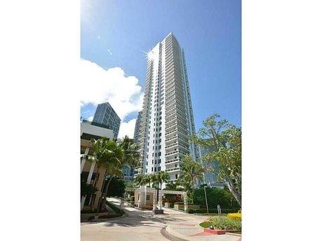 901 Brickell Key Blvd Miami, FL 33131