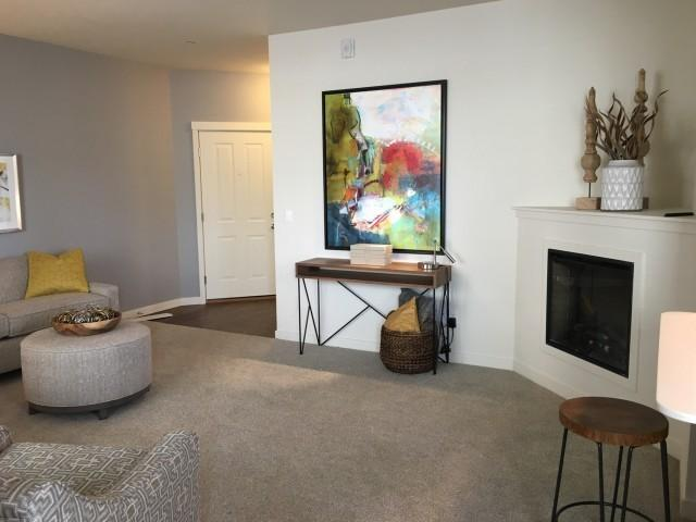 259 S Sequoia Pkwy, Canby, OR 97013