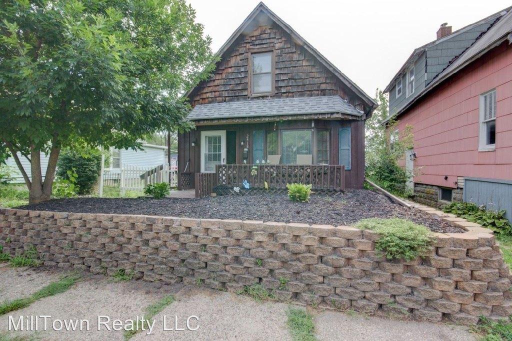 2418 15th St Single Family House For Rent Doorstepscom