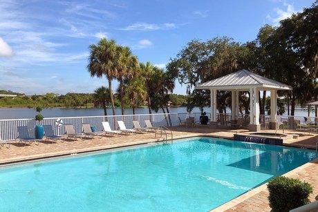 9711 Magnolia View Ct Riverview, FL 33578
