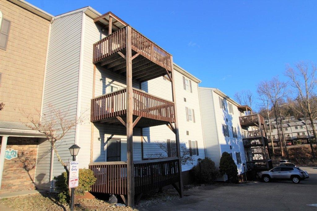 940 Stewart St, Morgantown, WV 26505