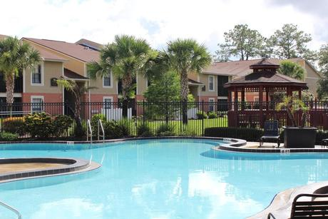 9101 Avenue Club Dr, Tampa, FL 33637