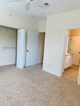Apex At Royal Oaks | 11212 Westpark Dr | Apartment for Rent | Doorsteps.com