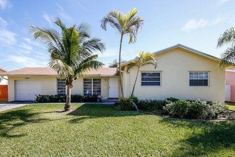 16921 Sw 109th Ave Miami, FL 33157