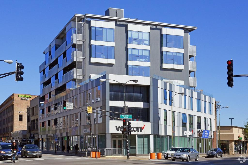 1237 N Milwaukee Ave, Chicago, IL 60622