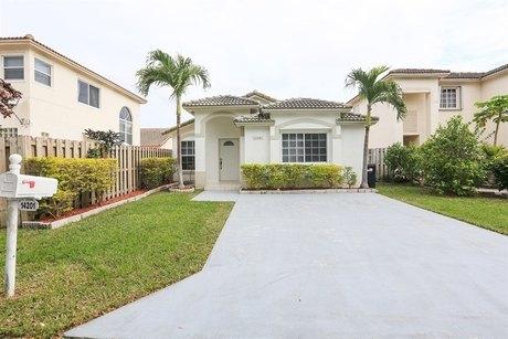 14201 SW 151st Ave, Miami, FL 33196
