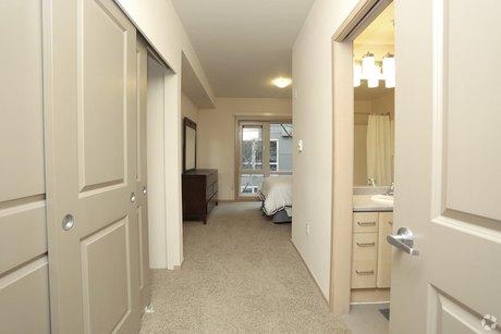 Bristol Apartments Renton