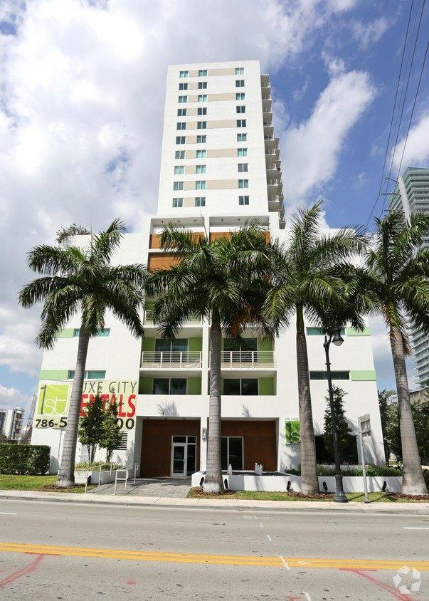 101 SW 13th St, Miami, FL 33130