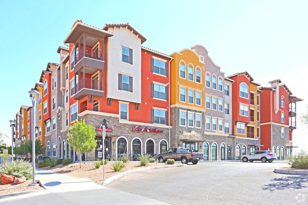 5001 N Mesa St, El Paso, TX 79912