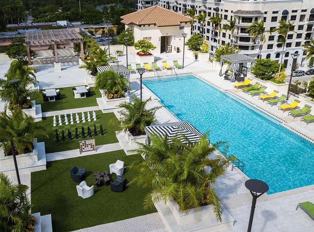 8250 SW 72nd Ct, Miami, FL 33143