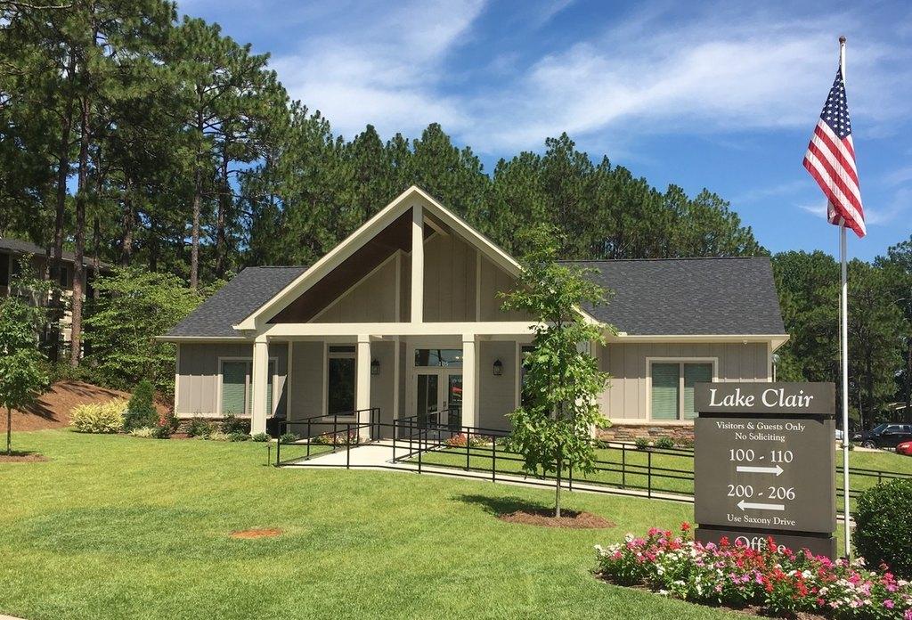 105 Lake Clair Pl, Fayetteville, NC 28304