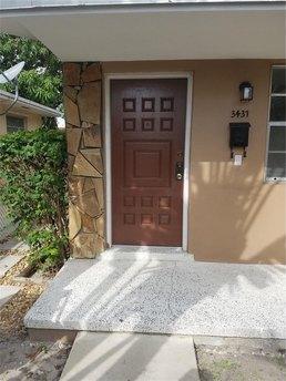 3437 Nw 4th St Miami, FL 33125