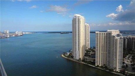 325 S Biscayne Blvd Apt 3421 Miami, FL 33131