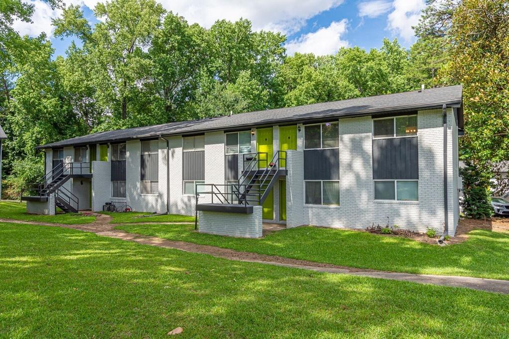 1120 South Ave, Forest Park, GA 30297