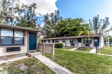 15710-15774 Nw 7th Ave Miami, FL 33169