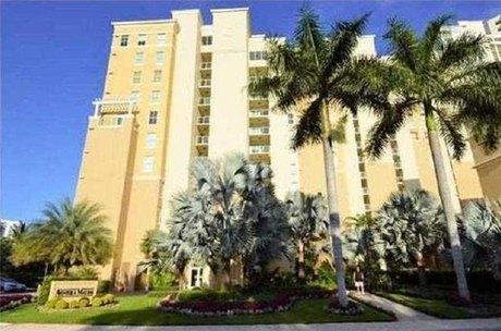 3340 Ne 190th St Apt 1808 Miami, FL 33180