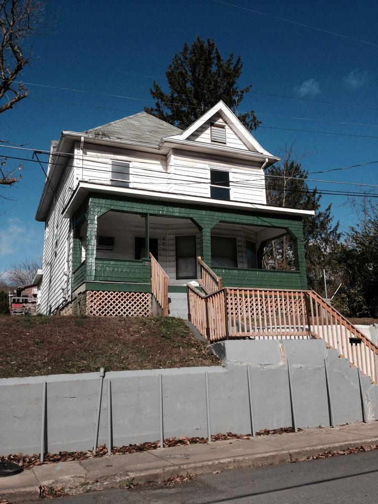 619 Oliver Ave, Fairmont, WV 26554