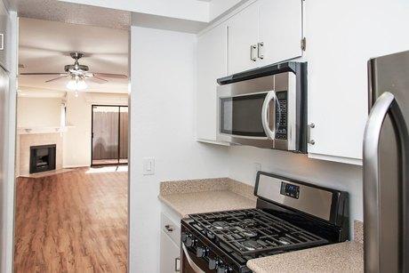 Burbank Ca Apartments Houses For Rent 178 Listings Doorsteps Com