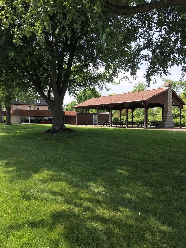 1780 Carriage Ln, Alliance, OH 44601
