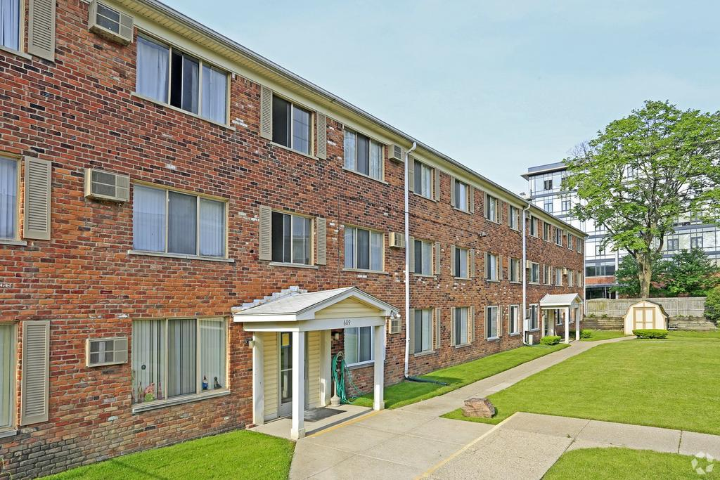 Occ Royal Oak Campus Map.Wagon Wheel Apartments 605 E 11 Mile Rd Apartment For Rent