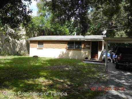 702 E Lotus Ave, Tampa, FL 33612