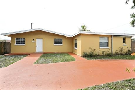 9930 Sw 213th St Miami, FL 33189