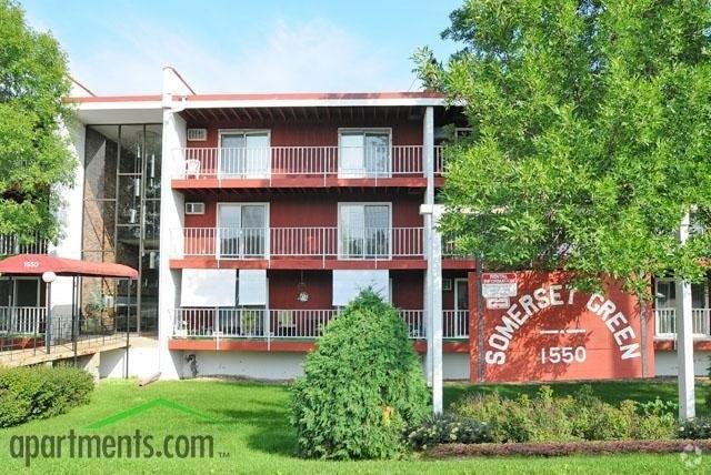 1550 Charlton St, West Saint Paul, MN 55118