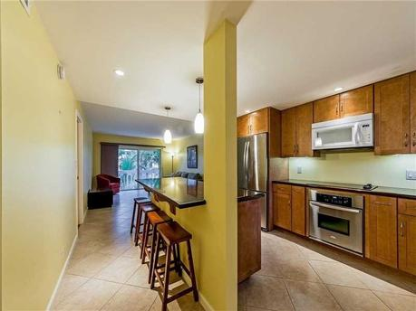 100 Edgewater Dr # 437 Coral Gables, FL 33133