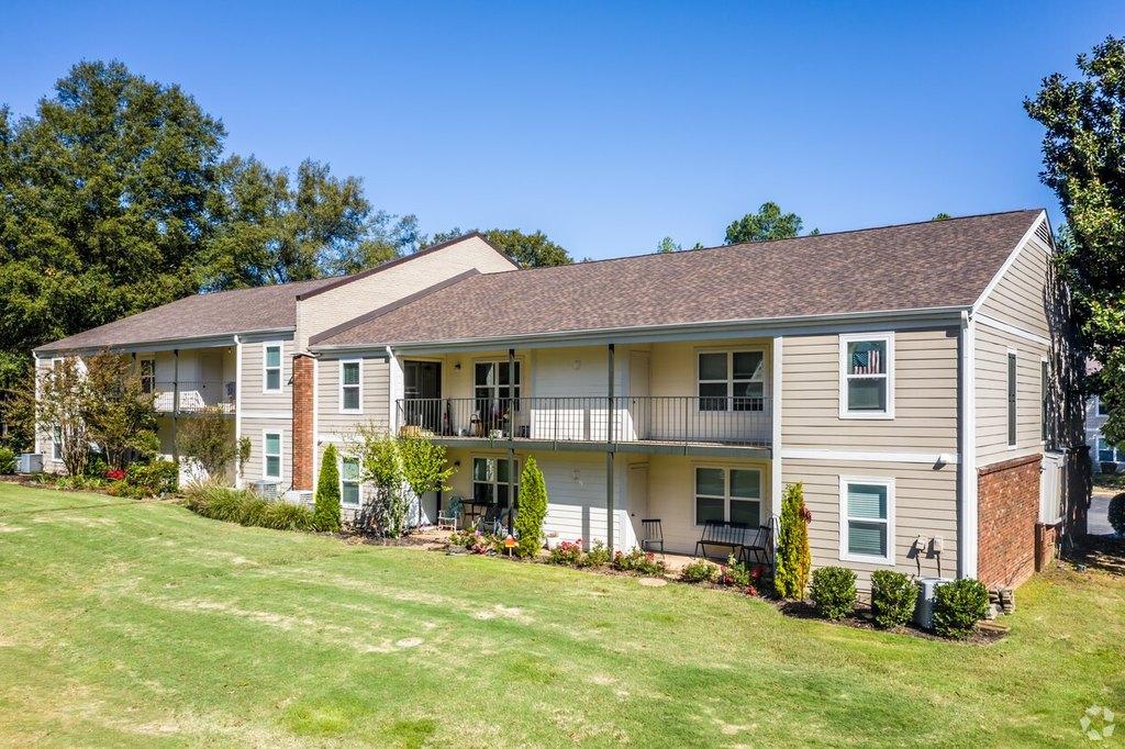 2216 Brierbrook Rd, Memphis, TN 38138