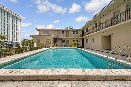 1239 Mariposa Ave Apt 5, Coral Gables, FL 33146