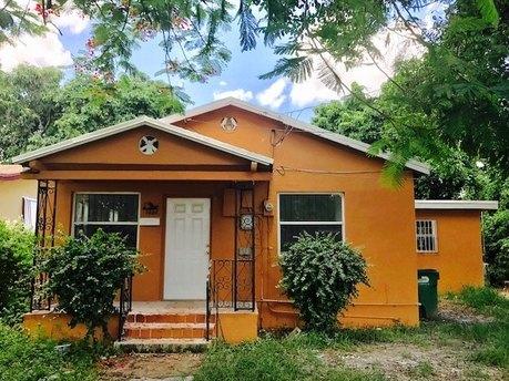 1283 NW 72nd St, Miami, FL 33147