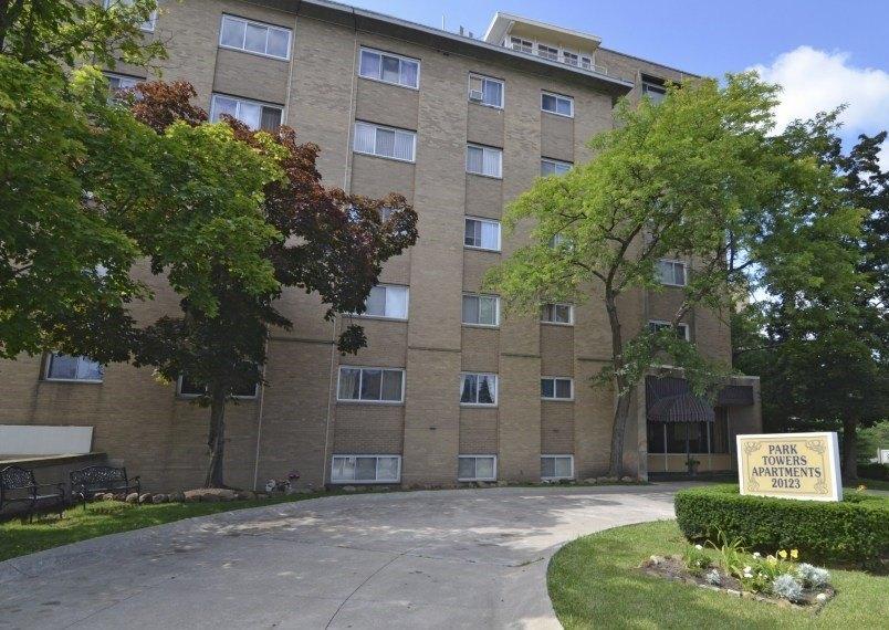 20123 Lorain Rd, Fairview Park, OH 44126