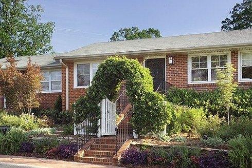 5 Hamilton Rd, Chapel Hill, NC 27517