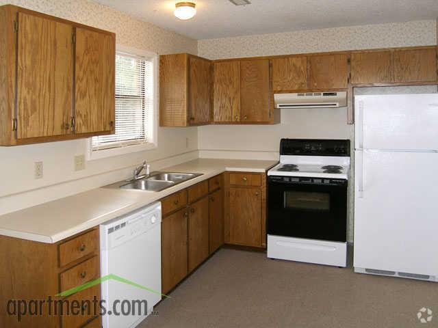 Holly Leaf Apartments | 2205 Woodleaf Rd | Apartment for Rent ...
