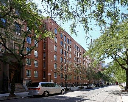 410 W 53rd St, New York, NY 10019