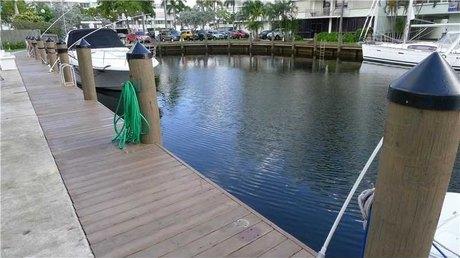 16525 NE 26th Ave # 2BD, North Miami Beach, FL 33160