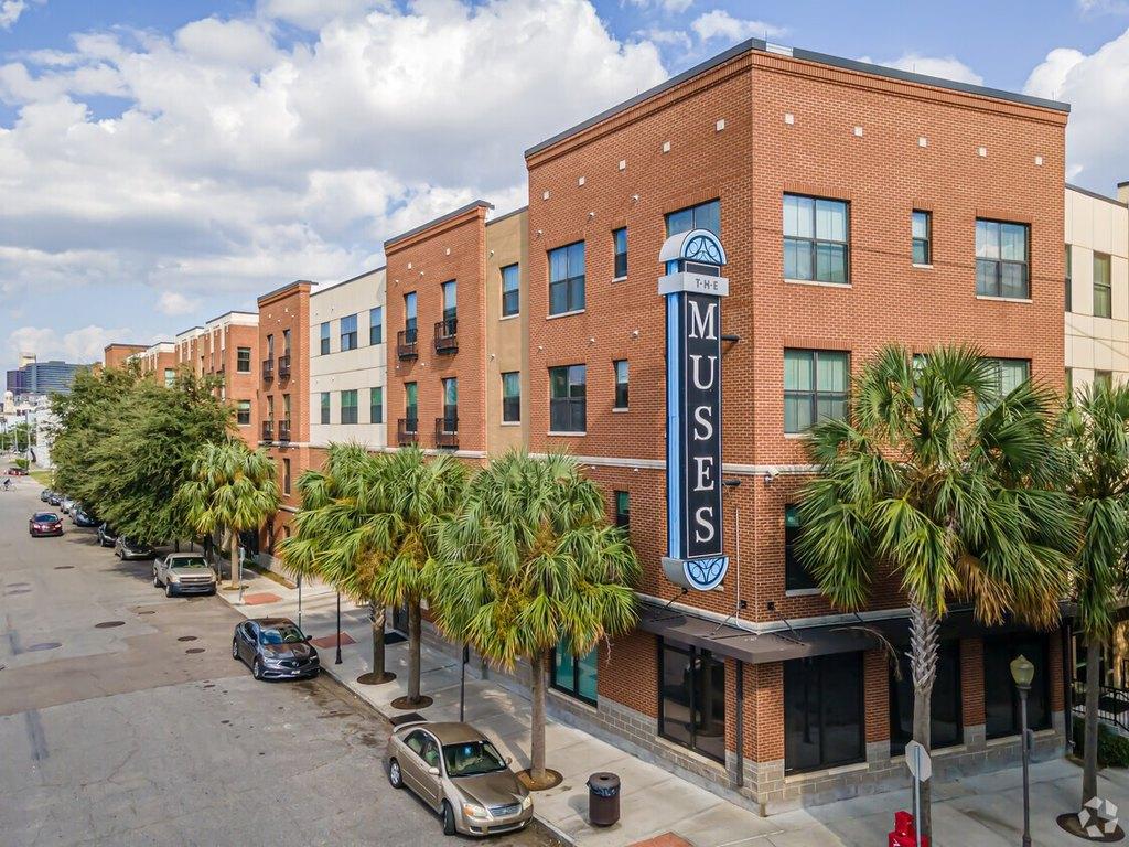 1720-1740 Baronne St, New Orleans, LA 70113