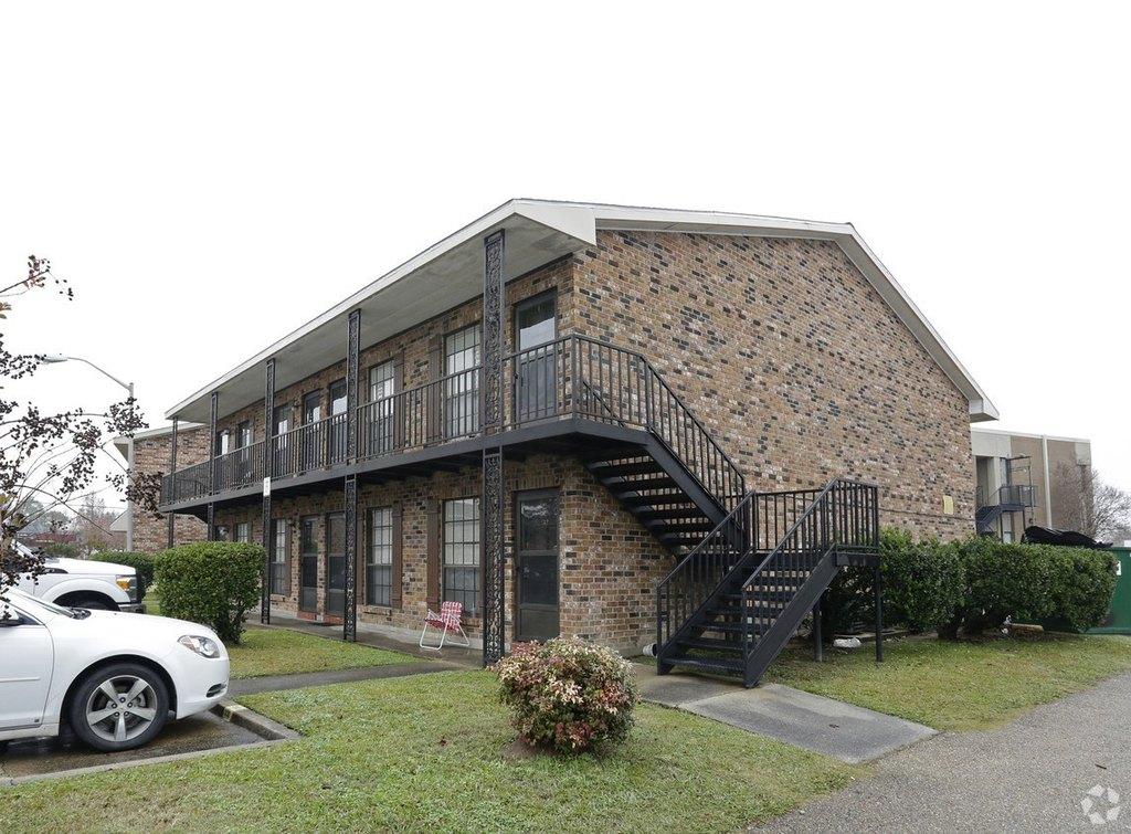 Car Rental Lafayette La >> Bell Downs Apartments 404 Guilbeau Rd Apartment For Rent