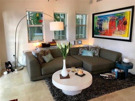 1040 10th St Miami Beach, FL 33139