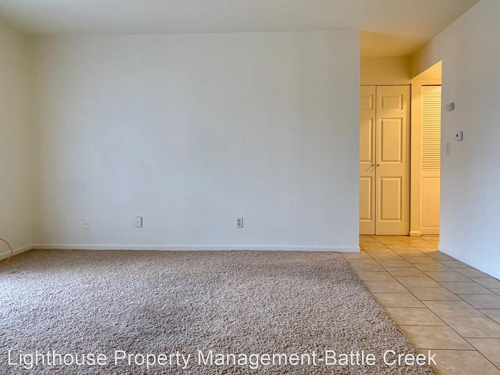 1306/1317 W Michigan Ave, Battle Creek, MI 49037