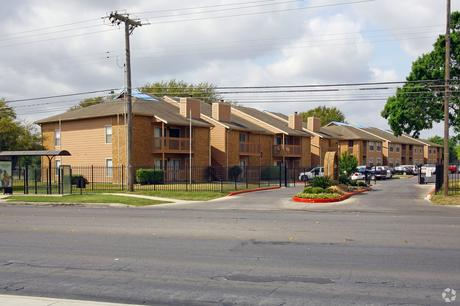 8237 S Flores St San Antonio, TX 78221