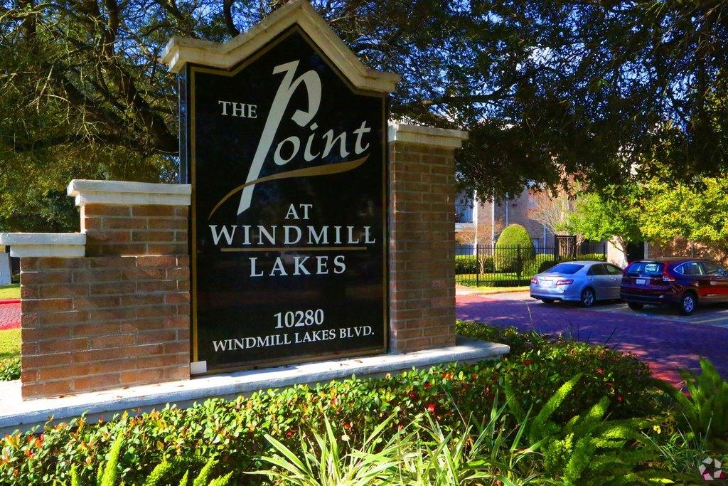 10280 Windmill Lakes Blvd, Houston, TX 77075