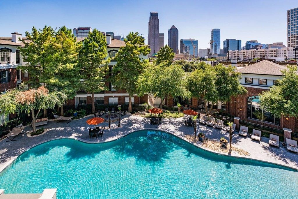 910 Texas St, Dallas, TX 75204
