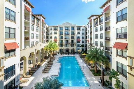 4504 W Spruce St Tampa, FL 33607