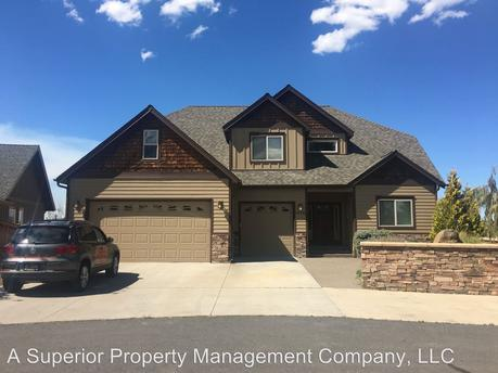 63388 Boyd Acres Rd, Bend, OR 97701