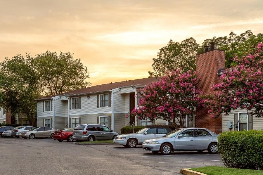 3860 Eaglewood Dr, Memphis, TN 38115