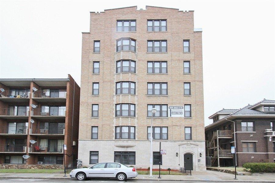 6751 S Jeffery Blvd, Chicago, IL 60649