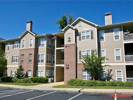 3215 Verdant Woods Ct, Atlanta, GA 30331
