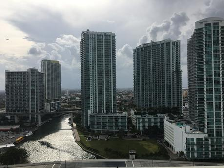 31 SE 5th St Apt 2503, Miami, FL 33131